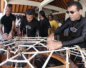 President & Coral Frame (President Nasheed inaugurates Marine Discovery Centre)