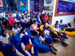 Kamadhoo School visits Marine Savers - marine life presentation