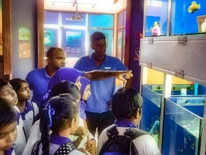 Kamadhoo School visits Marine Savers - tour of the Fish Lab