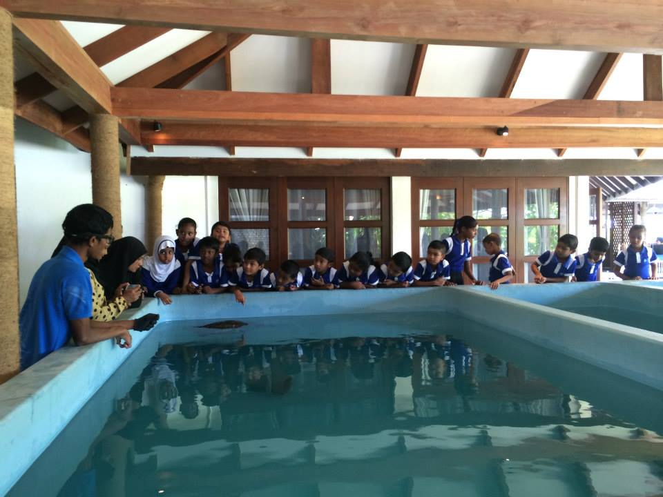 Bodu Huraa - school visit - 5