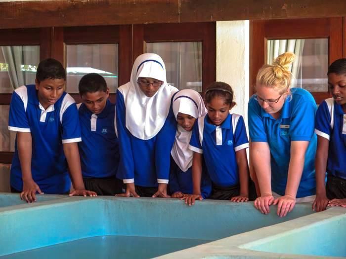 Bodu Huraa - school visit - 6