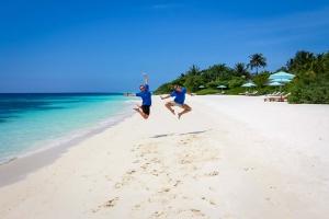 Lauren's blog – marine biology volunteer with Seamarc Maldives – beach (Lauren's Marine Biology Blog)