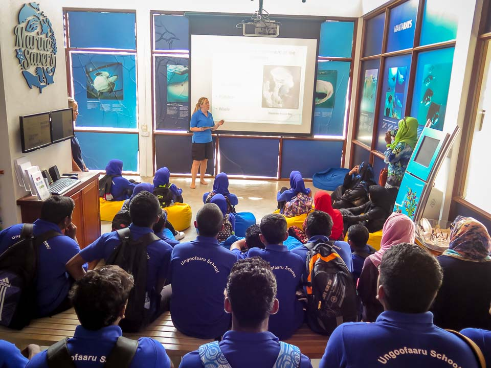 Ungoofaaru School visit - marine presentation