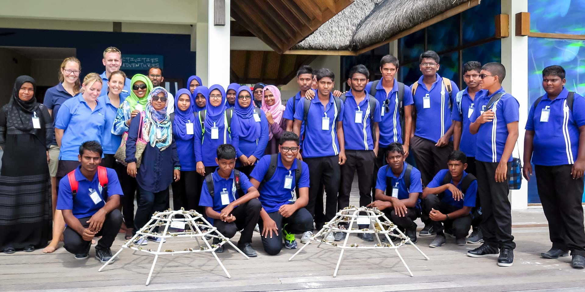 Ungoofaaru School visit Marine Savers - group photo