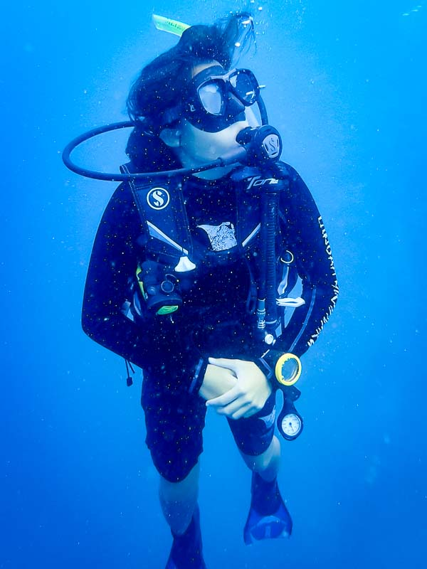 Lynn Internship - diving - Marine Savers Maldives