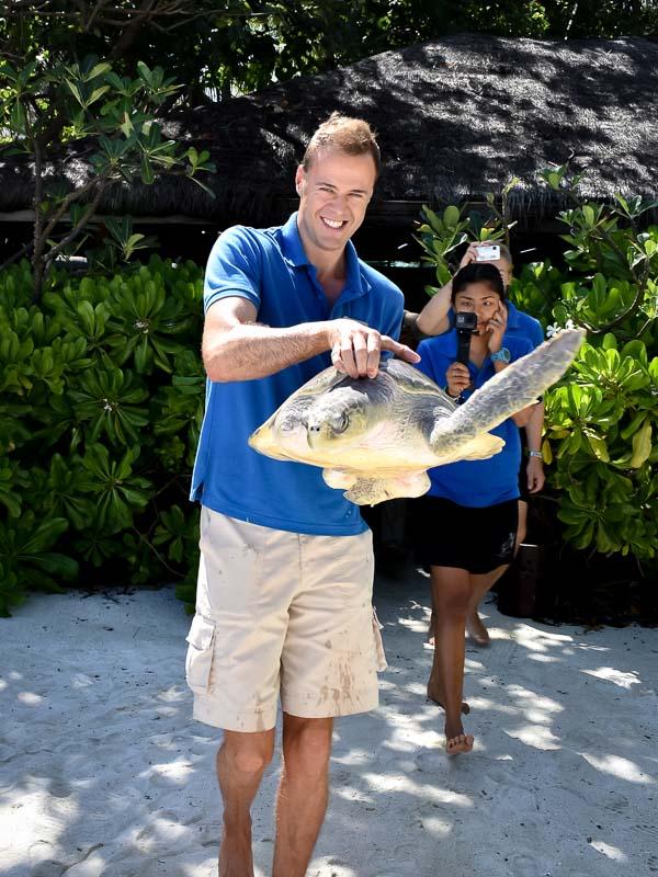 Donny's release (3) turtle rehabilitation Marine Savers Maldives