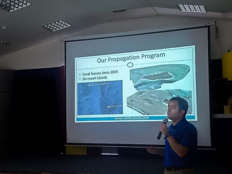 Education - Sam at GCRMN coral lecture Maldives
