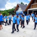 Maalhos School visit - coral frame