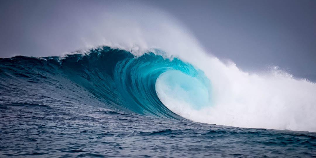 Excellent surf wave at Kuda Huraa, Maldives