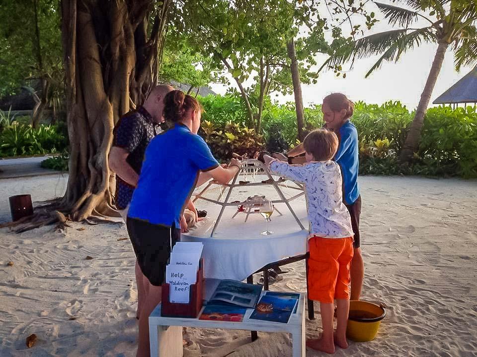Irene's internship - coral frame - Marine Savers Maldives