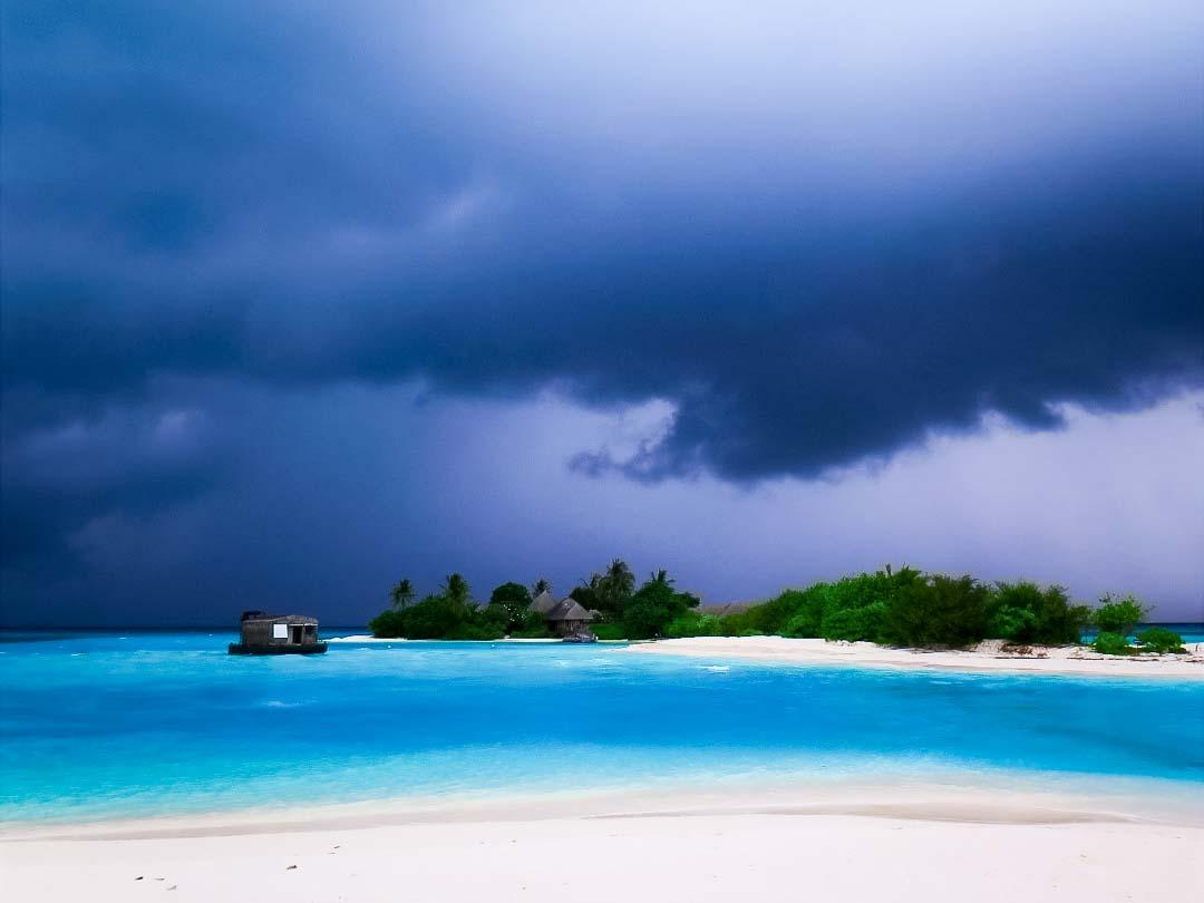 Irene internship - thunder clouds - Marine Savers Maldives