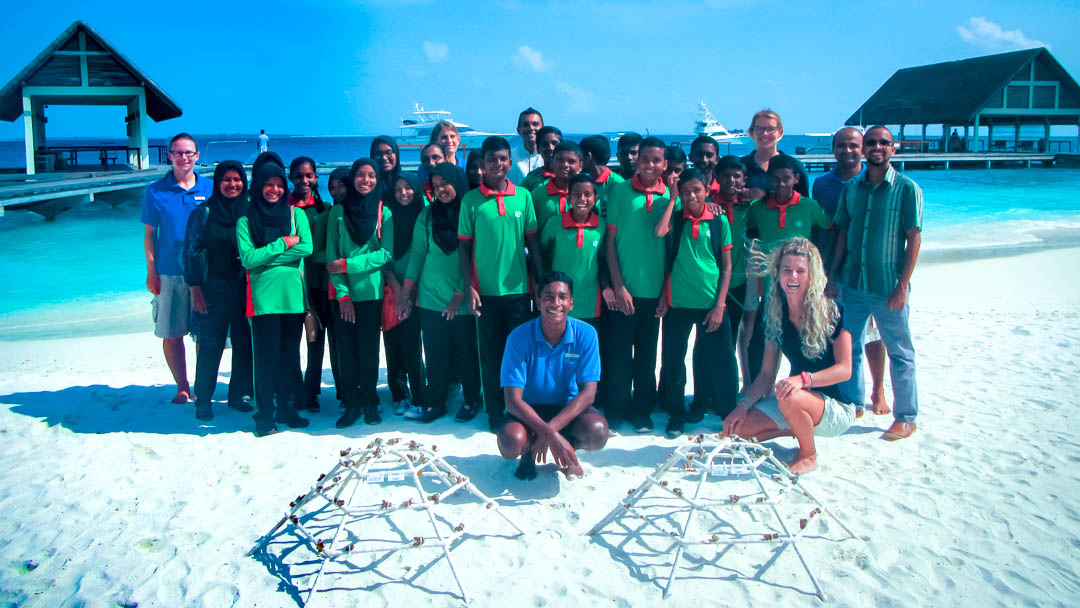 Kendhoo School visit to Marine Savers Maldives