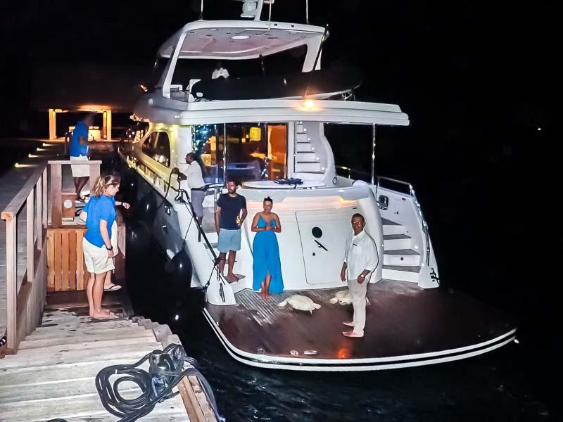 Amal & Zubeen - stranded sea turtle rescue Maldives