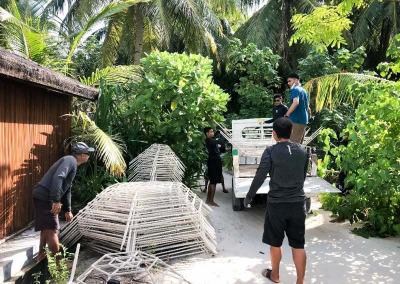 Reefscapers reef regeneration Maldives team effort